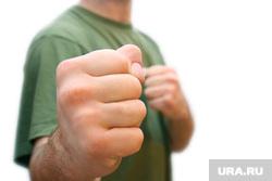 Флаг Украины, борьба, кулак, прослушка , борьба, кулак, агрессия, ненависть, злость, удар, кулаки, оскал