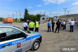 Рейд полиции и представителей Министерства экологии на челябинскую городскую свалку. Челябинск, полиция, рейд по проверке документов, въезд на городскую свалку
