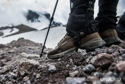 Кавказские горы в окрестностях Эльбруса, ботинки, туризм, путешествие, поход, горы, туристы, gore tex