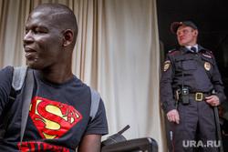 Город во время ЧМ. Екатеринбург, негр, афроамериканец, полиция, супермен