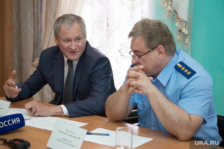 Зам генпрокурора Юрий Пономарев ведет личный прием граждан. Шадринск, пономарев юрий, кокорин алексей