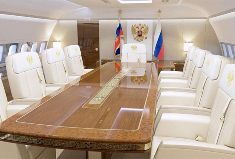 Корреспонденты сравнили личные самолеты Дональда Трампа и В. Путина