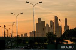 Виды Москвы. Воробьевы горы, Андреевская набережная, москва-сити, фонари освещения, закат, город москва