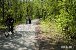 Шарташский лесопарк. Каменные палатки. Екатеринбург, велосипедист, прогулка по парку, лесопарк шарташский