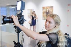 Открытие выставки работ Полины Синяткиной