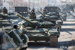 Первая репетиция юбилейного Парада Победы в Екатеринбурге на 2-ой Новосибирской, т-72, военная техника, танк, репетиция, армия россии, тяжелое вооружение