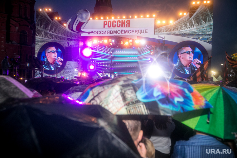 """Концерт на Манежной площади Россия в моем сердце"""", посвященный спортивным победам России в 2018 году."""