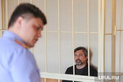 Арест Юрия Чанова, руководителя аппарата гордумы, обвиняемого во взятке. Тракторозаводский районный суд. Челябинск, чанов юрий, скамья подсудимых