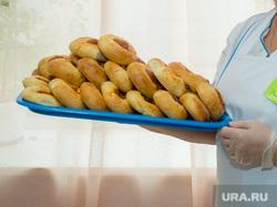 Единый день голосования 10 сентября 2017 года в РФ. Сургут, выпечка, выборы, избирателный участок, школьная столовая, булочки