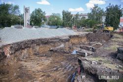 Строительные работы на территории памятника воинам-интернационалистам. Курган, строительные работы, мемориал