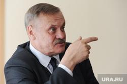 Интервью с министром экологии Челябинской области Сергеем Лихачевым. Челябинск, указательный палец, лихачев сергей