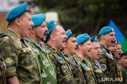 Митинг, посвящённый Дню Воздушно-десантных войск. Сургут, вдв, крик, голубые береты, вдвшники, десантики
