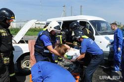 Тактико-специальные учения Скорой помощи по спасению пострадавших в ДТП. Челябинск, оказание помощи, скорая помощь, учения при дтп, спасение пострадавших в дтп, эвакуация раненных в дтп