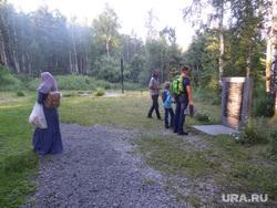 Посетители Поросенков Лог во время крестного хода, паломники, поросенков лог