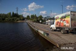Понтонная переправа через реку Тура. Тюмень, грузовик, река тура, понтонная переправа