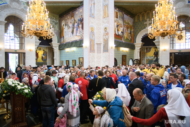 Мощи святителя Спиридона Тримифунтского в Храме на крови. Екатеринбург, храм на крови