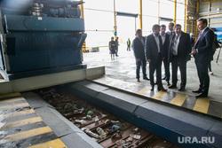 Пресс-тур на мусоросортировочный завод. Тюмень, сортировка мусора, хлам, рабочие, мусоросортировочный завод, фрумкин константин, тэо, отбросы, сортировка тбо