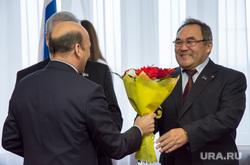 Совет законодателей Тюменской области, ХМАО и ЯНАО в Ханты-Мансийске, сарычев сергей, харючи сергей, букет, цветы