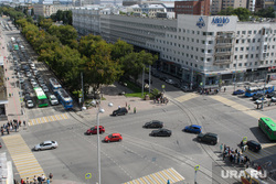Виды Екатеринбурга, пробка, дорожное движение, перекресток ленина карла либкнехта, автомобили, отель гранд авеню, вид сверху