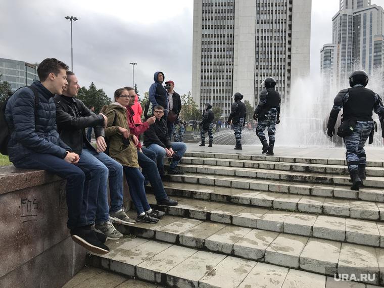 митинг (необработанные), омон, полиция, акция, навальный, митинг, екатеринбург, несанкционированная, пенсионная реформа
