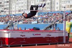 """Торжественная церемония, посвященная присвоению стадиону """"Центральный"""" имени Валерия Брумеля. Курган, брумель виктор, прыжок в высоту"""