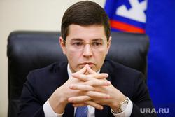 Дмитрий  Артюхов, заместитель губернатора ЯНАО по экономике. Салехард, руки замком, артюхов дмитрий