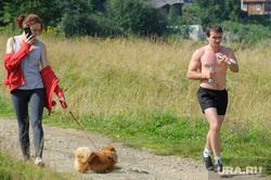 Виды Верхней Салды, девушка, выгул собак, бегун, подготовка, досуг, тренировка, лето, свободное время