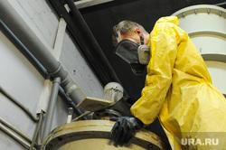 Запуск модернизированной линии переработке использованных батареек на заводе «Мегаполисресурс». Челябинск, химия, реактор, рабочий
