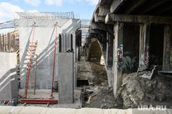 Строительство моста по улице Челюскинцев через Городской пруд. Екатеринбург, строительные работы, макаровский мост, строительство моста