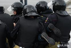 Задержания участников митинга против пенсионной реформы в Екатеринбурге, акция протеста, беспорядки, ноги, полиция, задержание