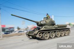 Первая репетиция юбилейного Парада Победы в Екатеринбурге на 2-ой Новосибирской, военная техника, танк, т-34, тяжелое вооружение