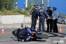 Фоторепортаж - авария с мотоциклом. Салехард, мотоцикл, дтп, авария, дпс
