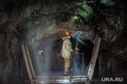 Березовское золотоносное месторождение. Березовский , добыча руды, шахтеры, горняки, березовский золотоносный рудник, шахта