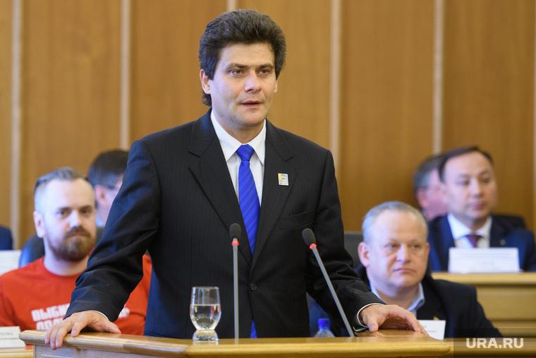 https://s.ura.news/images/news/upload/news/352/356/1052352356/407756_Pervoe_zasedanie_gordumi_Ekaterinburga_sedymogo_soziva_760x0_5301.3534.0.0.jpg
