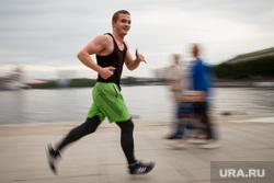 Съемки жизни горожан финнскими документалистами. Екатеринбург, пробежка, бегун, физкультура, бег, зож, здоровый образ жизни