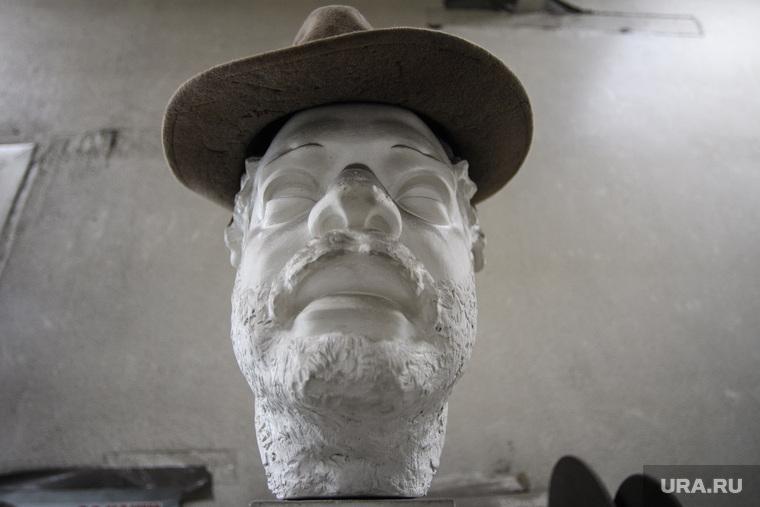 Изготовление скульптуры челябинского Хатико. Свердловская область, пос. Новоалексеевское, шляпа, скульптура, гипсовая голова