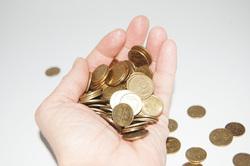 Открытая лицензия 10.06.2015. Деньги., монеты, ладонь, деньги, горсть