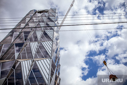 Виды города. Екатеринбург, подъемный кран, строительство, кирпичи, штаб квартира рмк