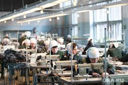 Швейное производство в женской исправительной колонии ФКУ ИК-6 ГУФСИН. Свердловская область, Нижний Тагил , швея, швейный цех, исправительная колония6, женская колония, швейная машина, ик-6