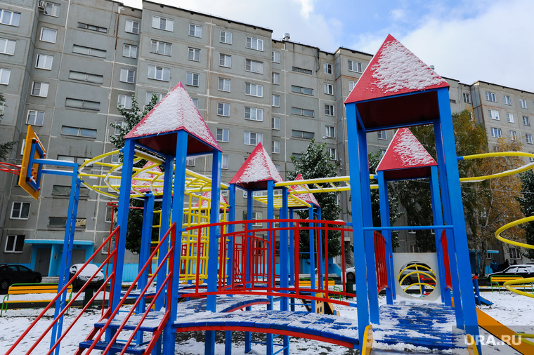 Объезд городских территорий Борисом Дубровским. Челябинск, детская площадка, малые формы