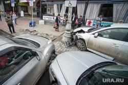 ДТП у Мытного двора, снесли паркомат. Екатеринбург, дтп, авария