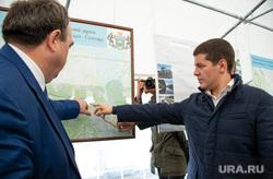 Артюхов и Моор посетили Надым, карта, указывает, артюхов дмитрий