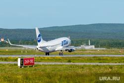 Споттинг в Кольцово. Екатеринбург, самолет, взлетная полоса, взлет, boing 737, Боинг 737-524, ютейр