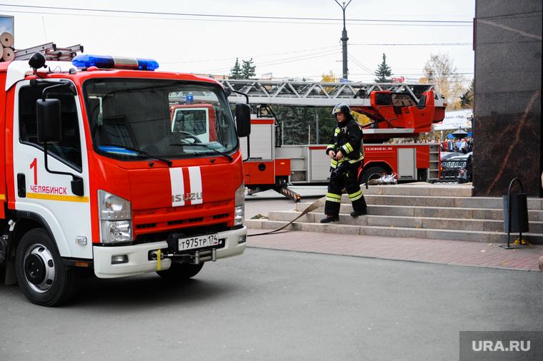 Пожарные учения по эвакуации людей из здания Арбитражного суда. Челябинск, арбитражный суд челябинской области, пожарные учения