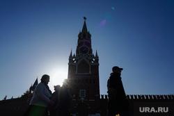 События с улиц. Москва, спасская башня, кремль