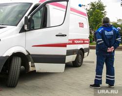 Несанкционированный митинг на Тверской улице. Москва, дорожные знаки, медики, скорая помощь, полицейское оцепление, правопорядок