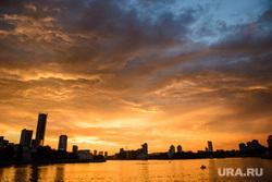 Вечер в Екатеринбурге, небо, городской пруд, город екатеринбург, закат, вечер