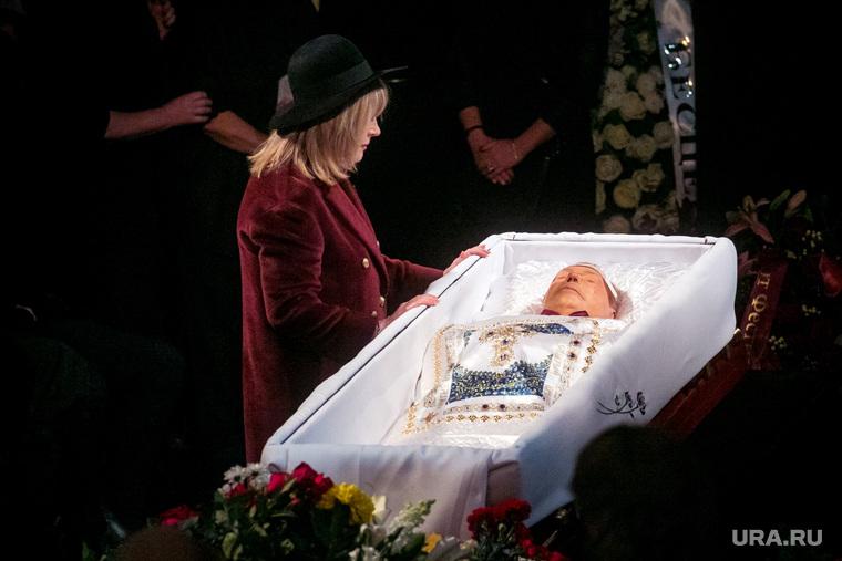 Прощание с Николаем Караченцовым в театре Ленком. Москва