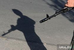 Краматорск. Бомбоубежище. Ополченец. Украина, тень, автомат, солдаты