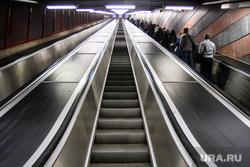 Виды Стокгольма. Швеция, эскалатор, час пик, метро, стокгольмский метрополитен
